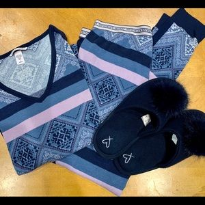 Victoria's Secret Pajama & Slipper Set Blue/Pink M